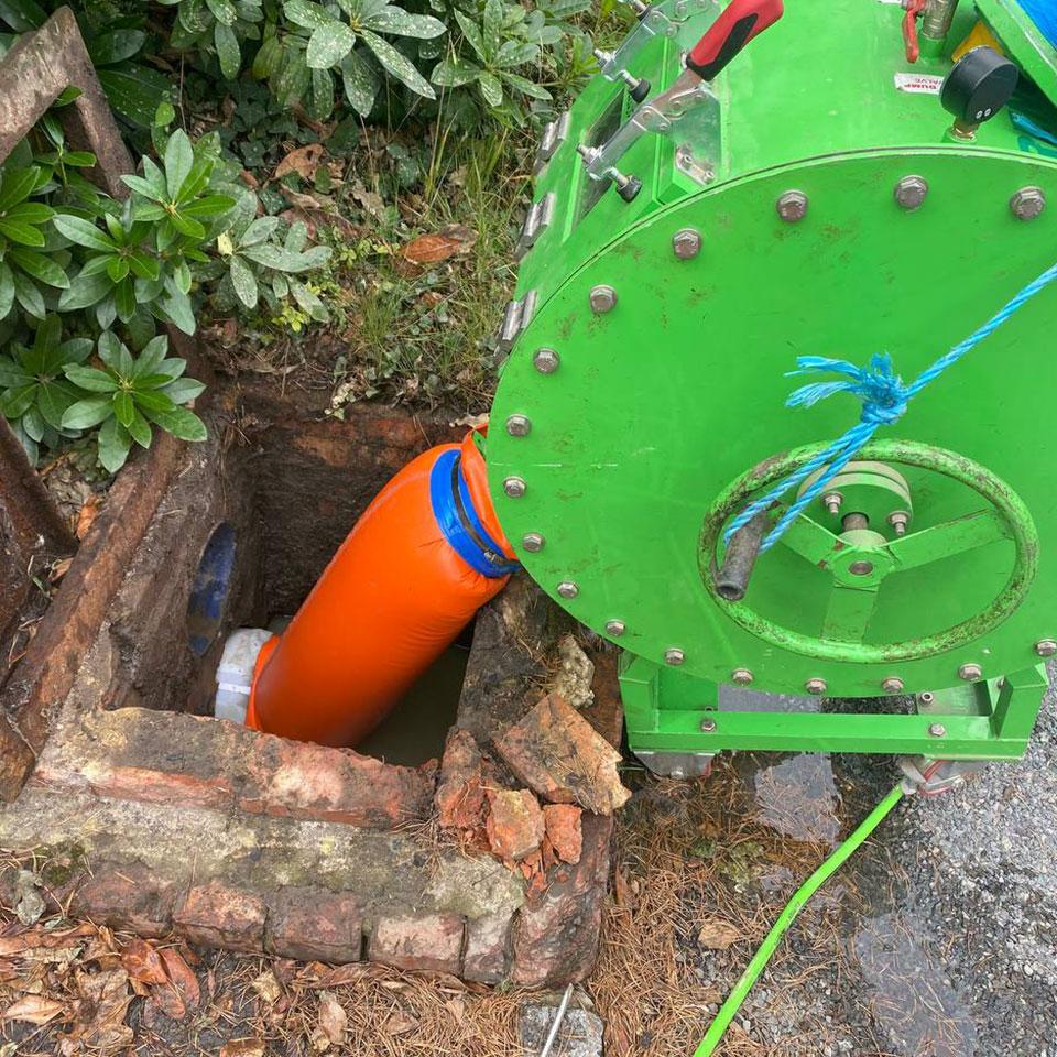 drain-lining-machine